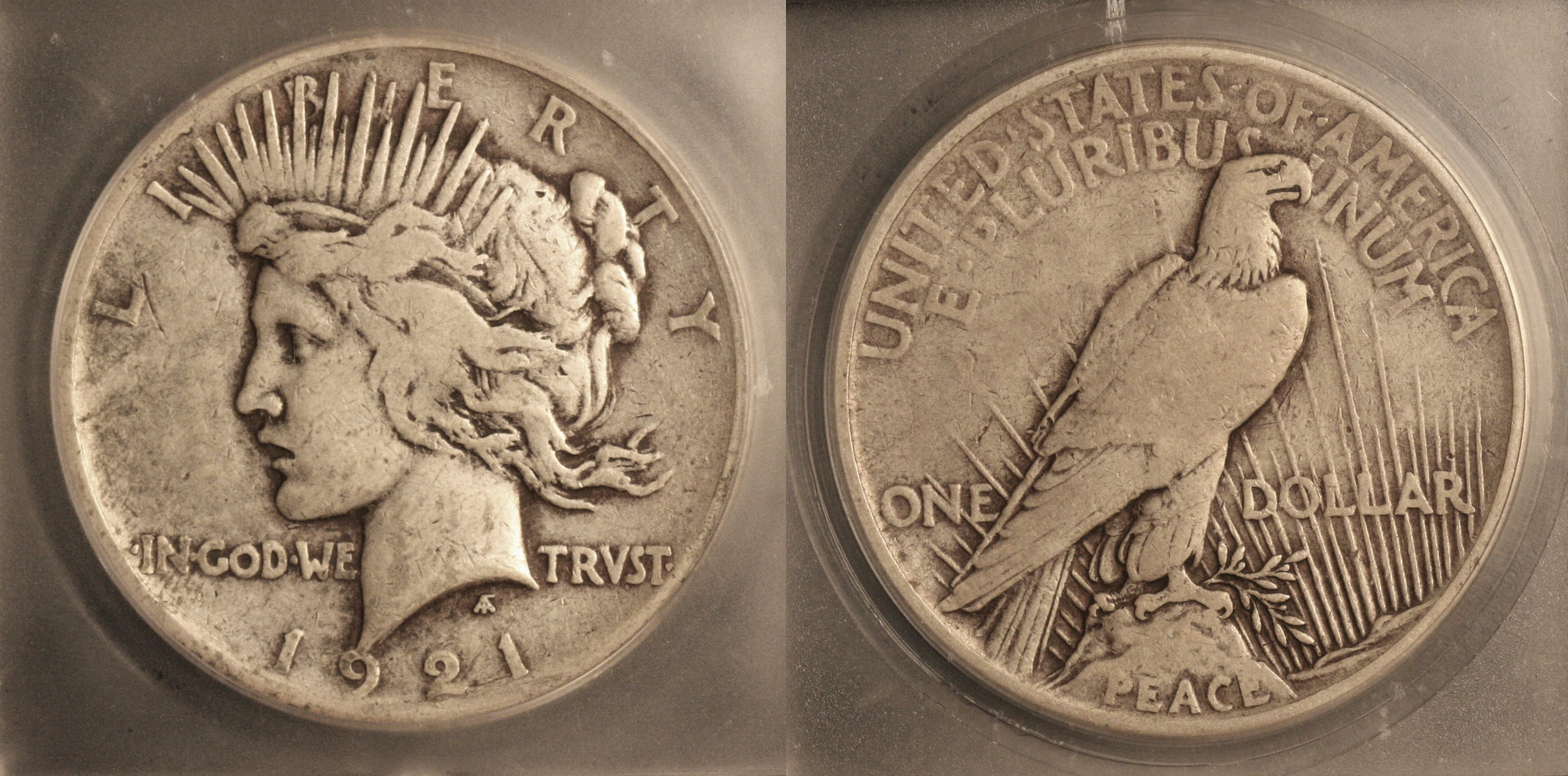 1921 Peace Silver Dollar ICG VF-25 camera