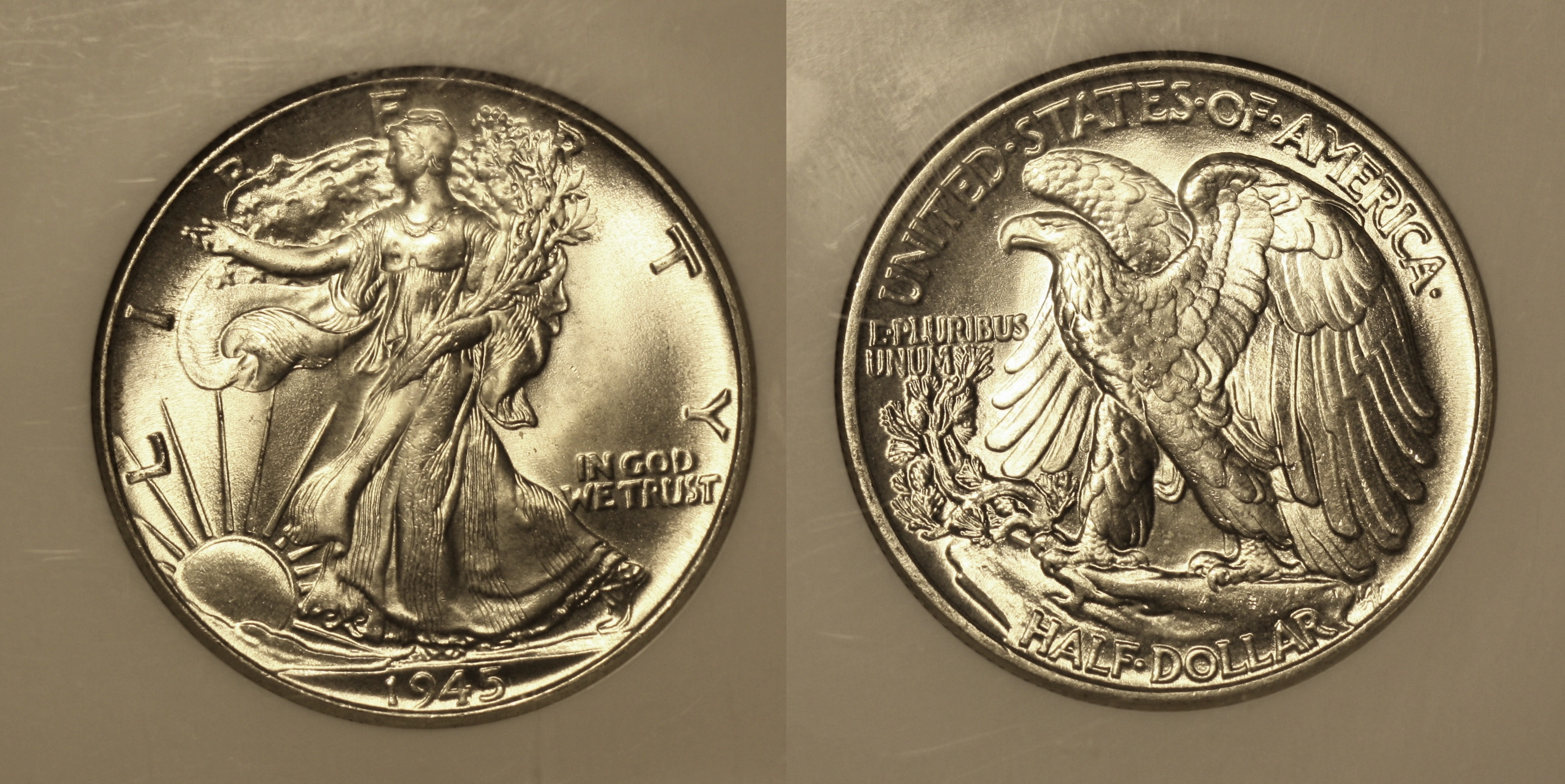 1945 Walking Liberty Half Dollar NGC MS-65 camera