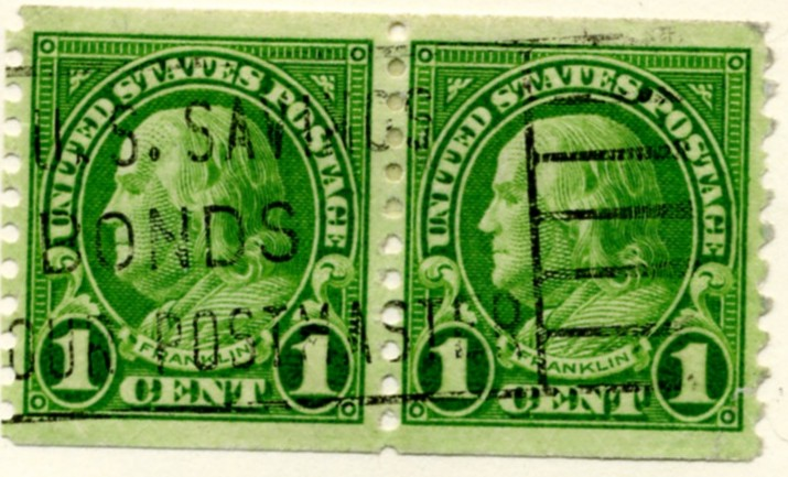 Scott 597 Franklin 1 Cent Stamp Green Series of 1922-1925 Rotary Press coil stamp Perforated 10 vertically pair a