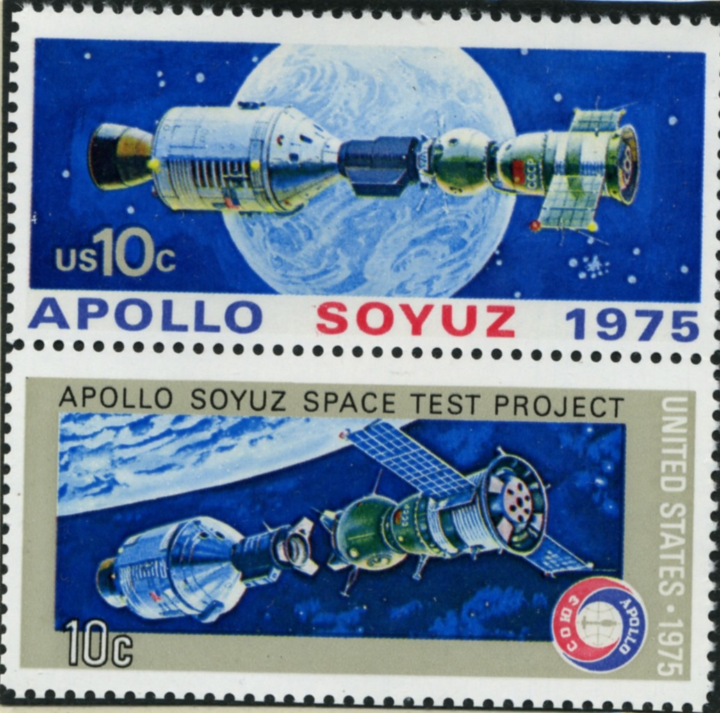 Scott 1569 to 1570 10 Cent Stamp Apollo Soyuz Block